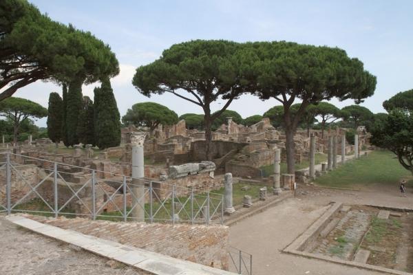 capitolium forum square
