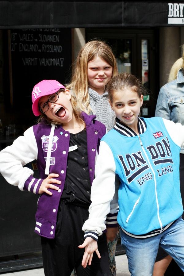 Jackie och Bella med kusin Mary-Linn